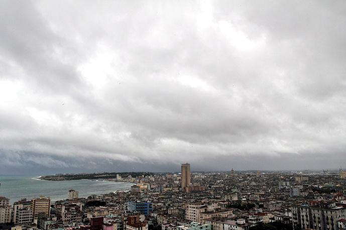 Столица Кубы Гавана основана в 1519 году. Современные небоскребы соседствуют с великолепными памятниками колониальной архитектуры, многие из которых находятся в ветхом состоянии
