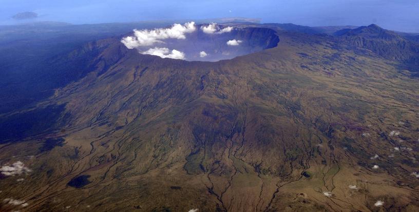 Вулкан Тамбора на острове Сумбава в Индонезии, 2010 год