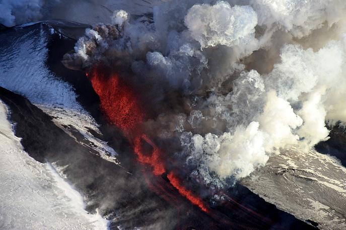 Извержение вулкана Плоский Толбачик, Камчатка, Россия, 2012 год