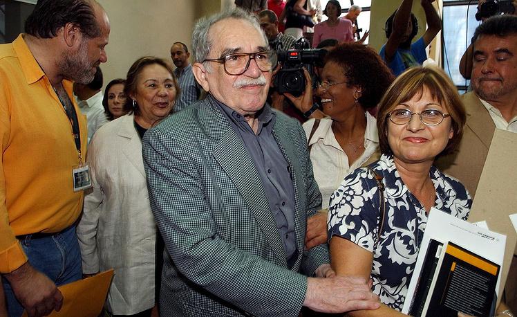 В Мехико литератор обосновался в конце 1950-х годов вместе с супругой Мерседес Барча и двумя сыновьями. На фото: Габриэль Гарсиа Маркес со своей женой Мерседес, 2005 год