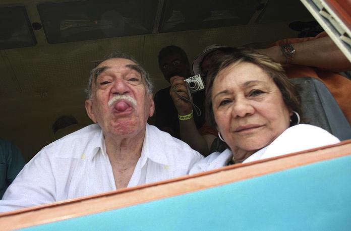 Маркес с женой Мерседес во время прибытия в свой родной город Аракатака, Колумбия, 2007 год
