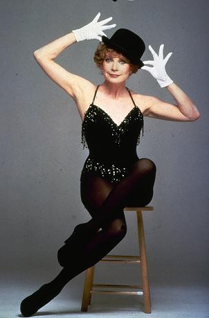 Ширли Маклейн в 1984 году
