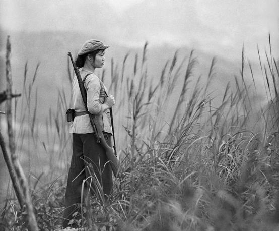 Девушка-боец взвода самообороны, 1966 год