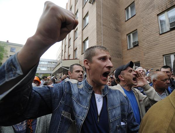 """Активисты заявили, что """"если все требования местных жителей, подкрепленные женевскими соглашениями, не будут выполнены, то все органы власти в Киеве будут считаться антинародными и преступными"""""""