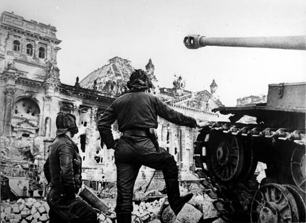 Танк Георгия Габруся в числе первых подошел к рейхстагу и вел остальных в бой за взятие Берлина, 1 мая