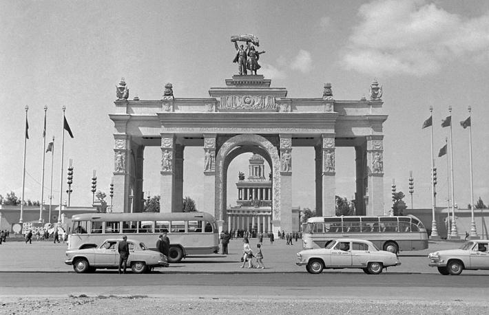 Главный вход ВДНХ, 1967 год