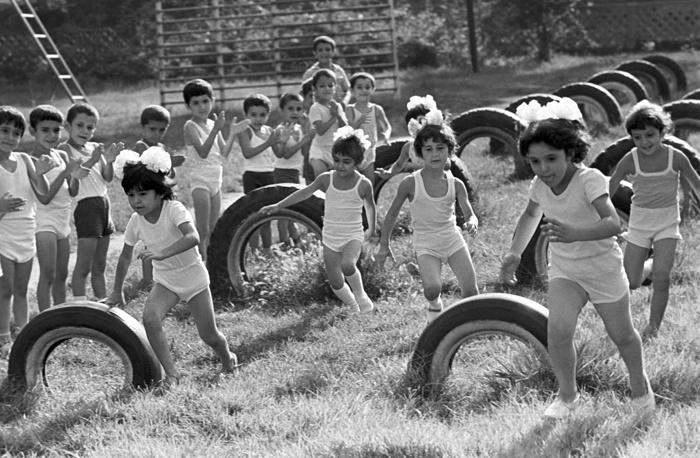 Урок физкультуры в сельской школе, 1986 год