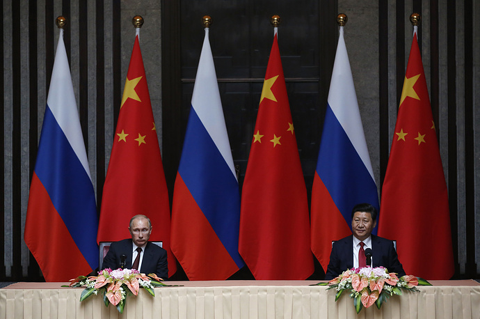 Главы России и Китая встречаются в 2014 году второй раз. До этого лидеры двух стран виделись на открытии Олимпиады в Сочи