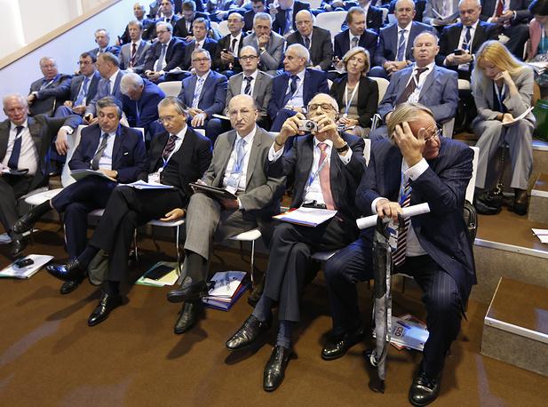 """Председатель совета директоров корпорации """"Биоэнергия"""" Давид Якобашвили (третий справа)"""