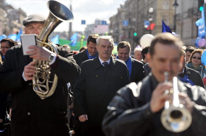Георгий Полтавченко во время первомайского шествия на Невском проспекте. 2012 год