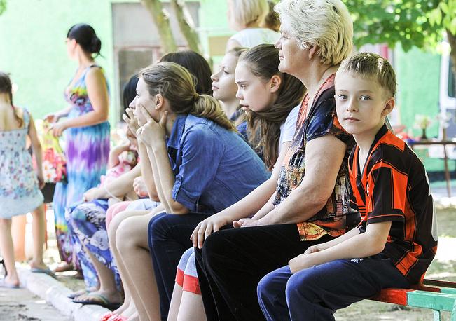 С 3 июня в Ростовскую область прибывают беженцы с юго-востока Украины. На фото: беженцы в Ростовской области