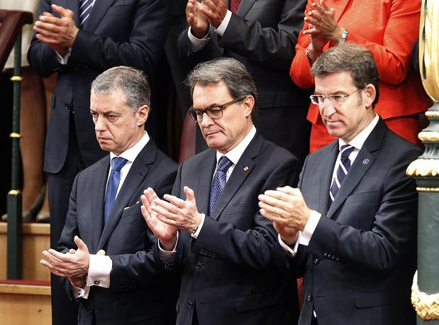 Президент Страны Басков Иньиго Уркулью, председатель правительства Каталонии Артур Мас, председатель правительства Галисии Альберто Нуньес Фейхоо