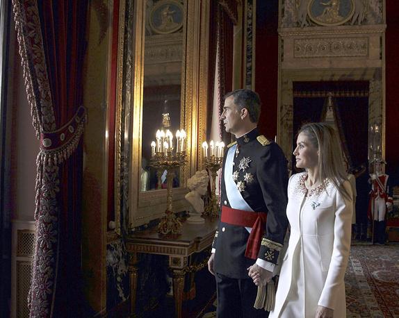 Король Фелипе VI и королева Летисия в Королевском дворце