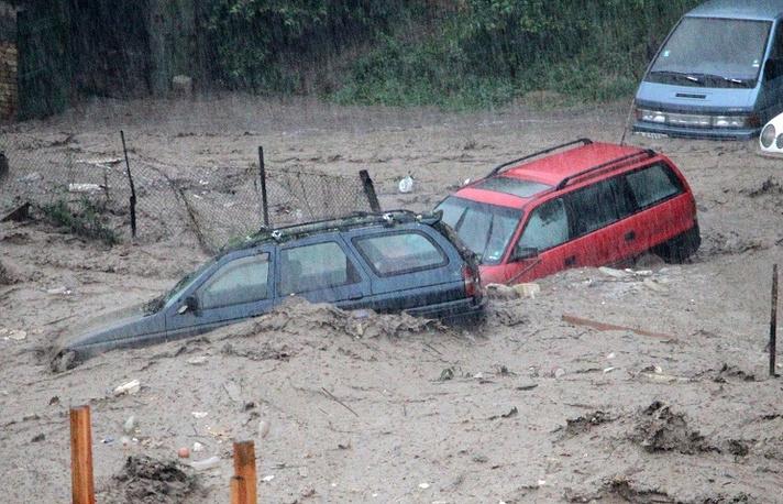Последствия проливного дождя в Варне