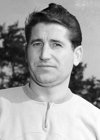 Гельмут Ран (Германия) - 10 голов. Участник чемпионатов мира 1954 и 1958 годов. Чемпион мира 1954 года. В финале турнира того года против команды Венгрии сделал дубль. В 1958 году стал первым игроком, забившим хотя бы четыре мяча на двух разных ЧМ