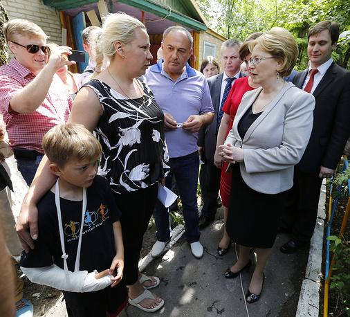 23 июня. Министр здравоохранения РФ Вероника Скворцова посетила лагерь беженцев в Ростовской области