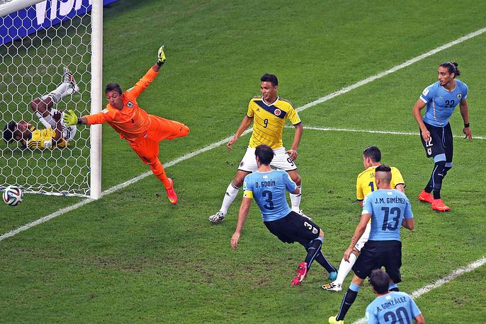 Второй гол в ворота сборной Уругвая