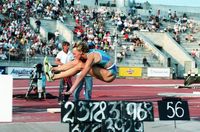 Чемпионка Игр по прыжкам в длину Хайке Дрекслер (Германия)