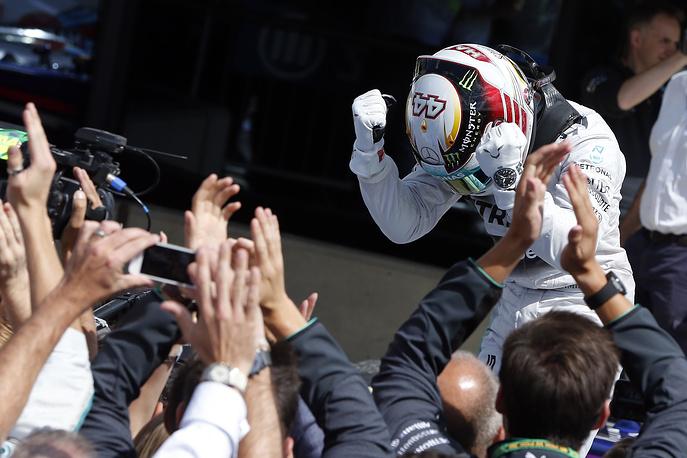 Британец Льюис Хэмилтон выиграл домашний этап