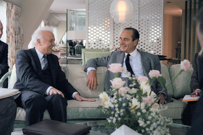 Министр иностранных дел СССР Эдуард Шеварднадзе и премьер-министр Франции Жак Ширак во время встречи в Нью-Йорке, 1986 год