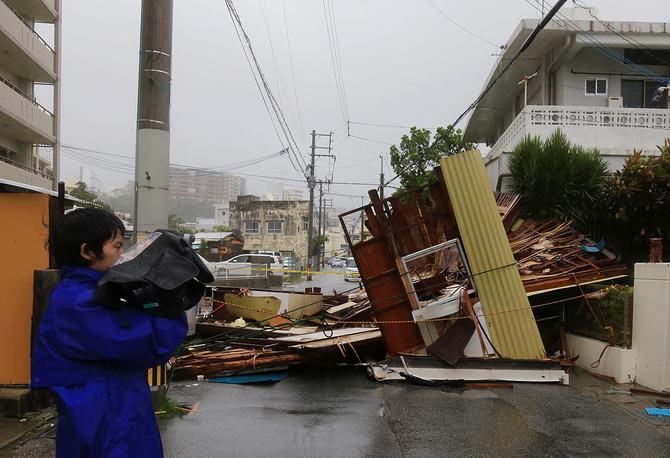 """Последствия сильного ветра, вызванного тайфуном """"Неогури"""" в порту Итоман"""