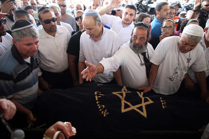 Похороны первого погибшего израильтянина. Дрор Ханин был пожарным