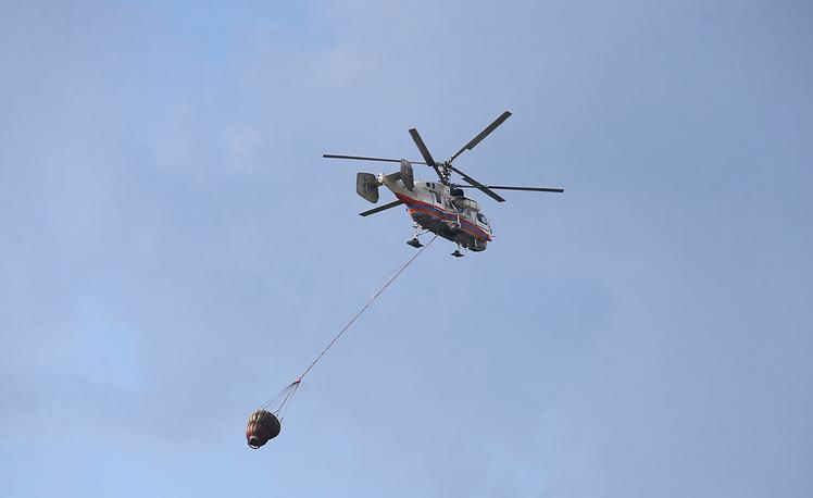 В общей сложности авиация сбросила на очаги пожаров более 215 тонн воды
