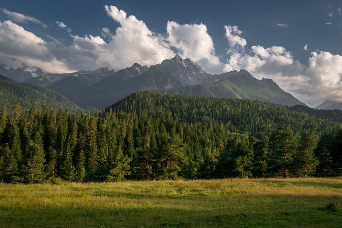 Как и повсюду в горных районах Кавказа, главное на Архызе — великолепная нетронутая природа.