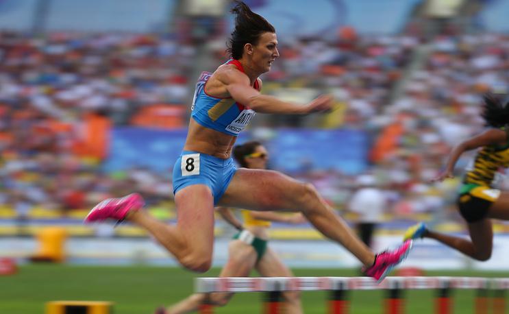 Наталья Антюх, легкая атлетика. Чемпионка ВЮИ-1998 в Москве в эстафете 4х400, чемпионка мира 2005 года, двукратный призер Олимпийских игр 2004 года, чемпионка Европы 2010 года