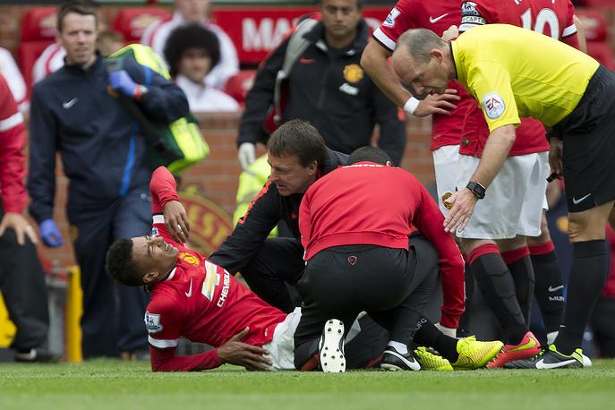 В первом тайме встречи травму получил 21-летний полузащитник Джесси Лингард, проводивший свой первый матч в составе МЮ