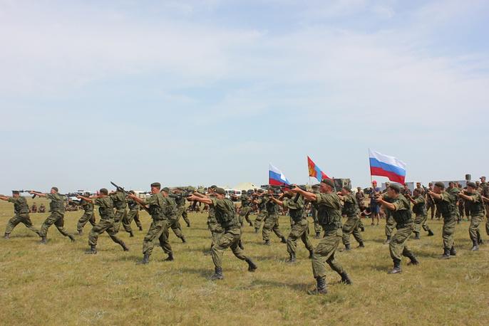 Во время подготовки к учениям, российские и монгольские войска проводили разного рода тренировки