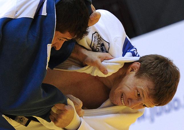 Бразилец Виктор Пеналбер и бронзовый призер ЧМ Иван Нифонтов (81 кг)