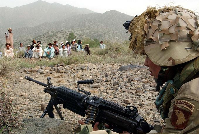 По оценкам правозащитных организаций, с 2001 года в Афганистане погибли от 20 тыс. до 35 тыс. человек. США потеряли 2346 человек, другие участники коалиции - 3467 человек
