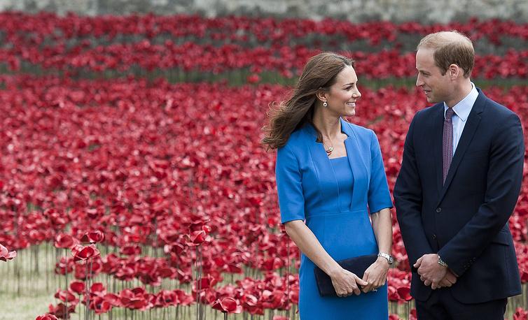Британский принц Уильям и его супруга Кэтрин ждут второго ребенка. О беременности герцогини Кембриджской 8 сентября объявил официальный представитель Букингемского дворца