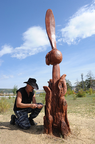 Памятник, посвящённый лётчикам, погибшим в боях на реке Халхин-Гол