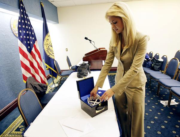 """В числе интересов """"Мисс Америка-2008"""", представительницы штата Мичиган Кирстен Хагланд, - привлечение внимания к заболеваниям органов пищеварения и проблемам общественного здравоохранения"""