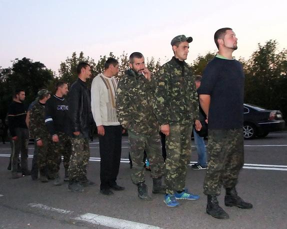 Новый обмен пленными состоялся 28 сентября. Ополченцы передали 30 человек, а представители Киева - 60 человек