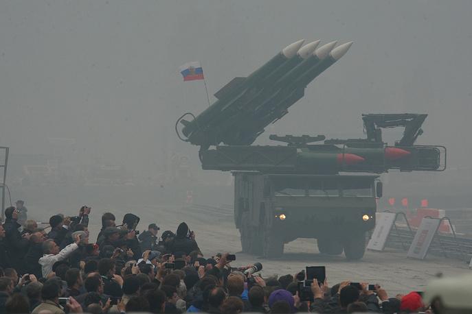 """Зенитно-ракетный комплекс """"Бук-М2Э"""""""