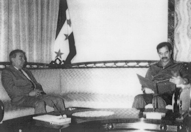 Встреча личного представителя Президента СССР академика Евгения Примакова с Президентом Ирака Саддамом Хусейном, 1990 год