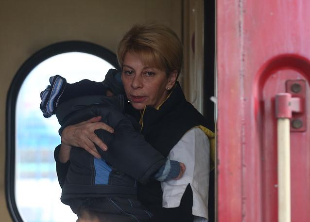 Елизавета Глинка привезла в Москву тяжелобольных детей из Донецка