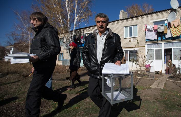 2 ноября в ДНР и ЛНР проходят выборы глав республик и в Народный совет. В отдаленных районах ЛНР голосование прошло досрочно