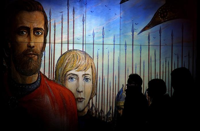 В центре экспозиции - личность Сергия Радонежского, положившего начало освобождению от иноземного ига