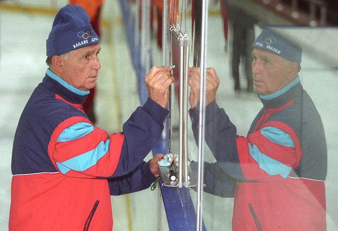 Виктор Тихонов - главный тренер ЦСКА. 2003 год
