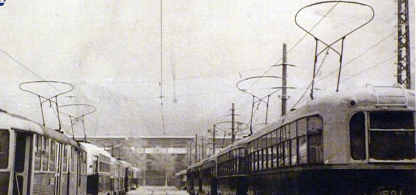 В 1965 году трамвайный парк города достиг максимальных размеров за всю свою историю - 400 трамвайных вагонов, ходивших по 25 городским маршрутам
