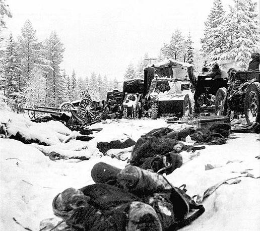 Остатки советской 44-й дивизии после разгрома в сражении на Раатской дороге