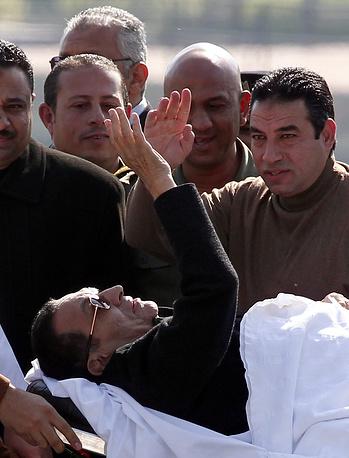 С экс-президента Египта Хосни Мубарака сняты все обвинения в убийстве демонстрантов в 2011 году. После того как суд  принял решение, Египет захлестнула новая волна протестов