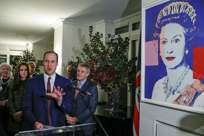 Принц Уильям, герцог Кембриджский на приеме, организованном совместно с Королевским фондом и Фондом Клинтона в резиденции британского генерального консула, 8 декабря 2014