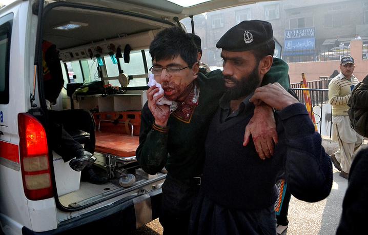 Утром во вторник боевики захватили школу с 500 учащихся