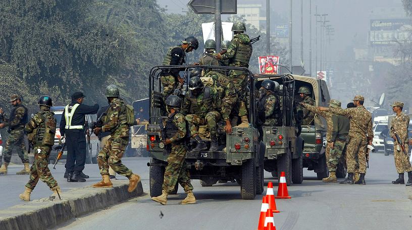 Военным удается заблокировать боевиков, несколько нападавших убиты