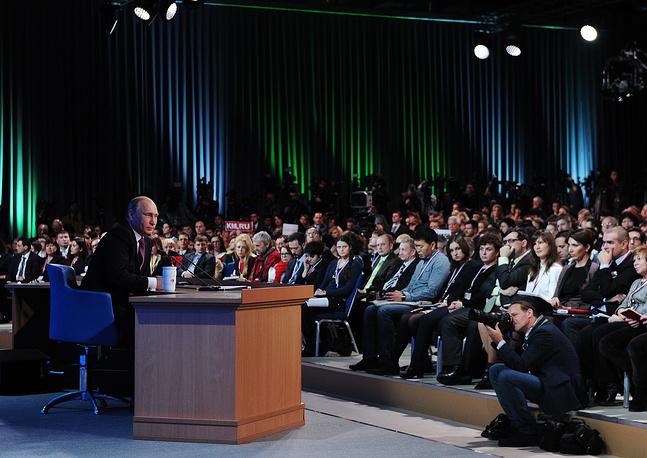 """Путин признал, что ошибки по руководству страной """"всегда есть"""", но в целом ЦБ и правительство справляются с проблемами, перед которыми стоит Россия"""